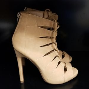 Paprika Brown Zipper Back Lace Front Heels Sz 6